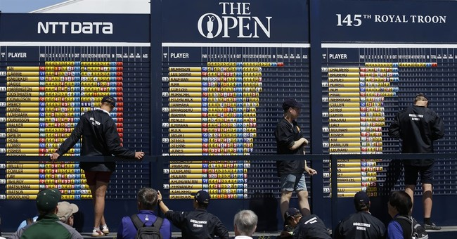 The Latest: Mickelson lamenting missed chance at history