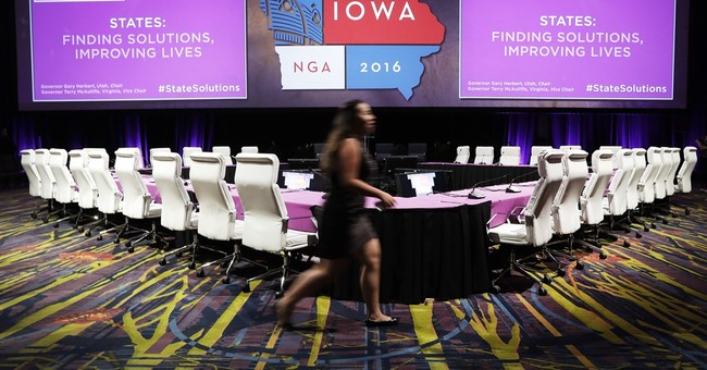 Governors descend on Iowa to focus on policy, not politics