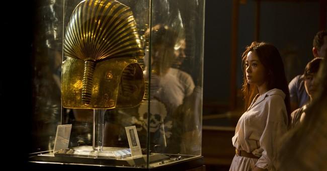 Egypt unveils oldest papyrus, details on pyramid-builders