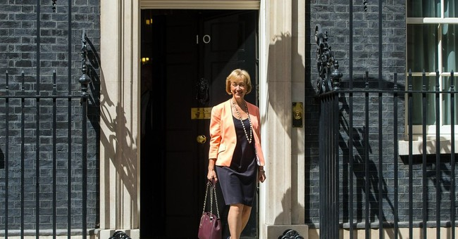 New UK government takes shape with fresh faces, Euroskeptics