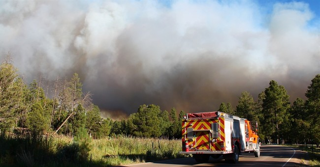 Winds, low humidity continue to fuel fire near Grand Canyon