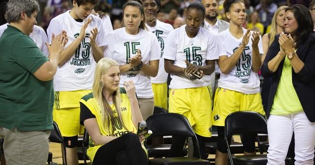 Seattle Storm retire Aussie Lauren Jackson's No. 15 jersey