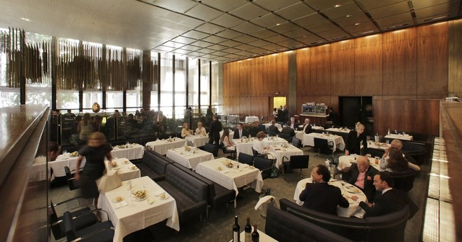 The Four Seasons, home of the original power lunch, closes