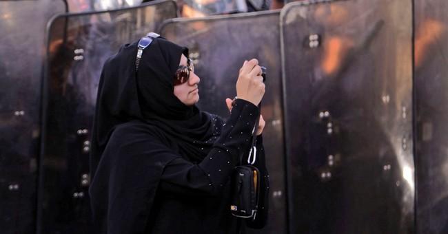 Bahrain court orders main Shiite opposition group dissolved