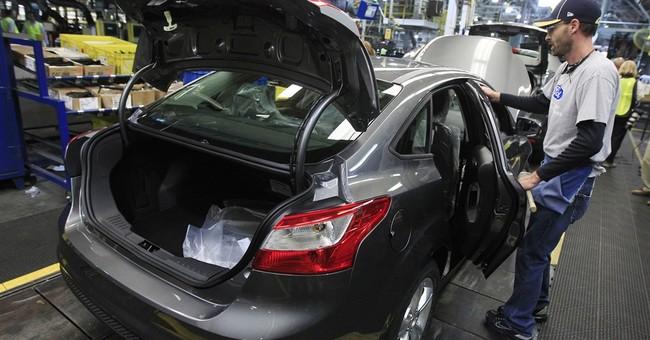 Feds probe complaints that Ford Focus doors won't latch
