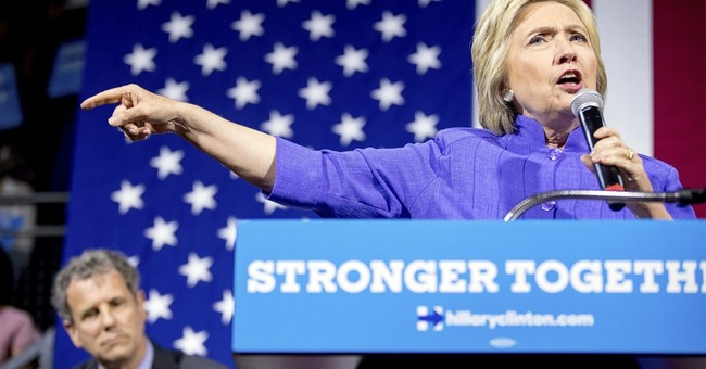 Clinton condemns shooting of Baton Rouge officers