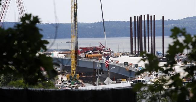 Investigators probe crane collapse on Tappan Zee Bridge