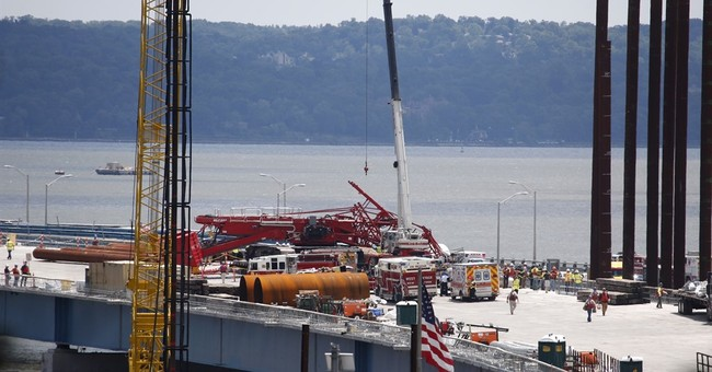 The Latest: Experts investigate crane collapse on NY bridge