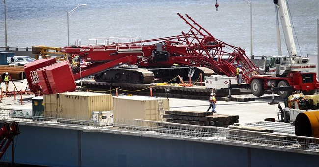 Investigators probe crane collapse on Tappan Zee Bridge