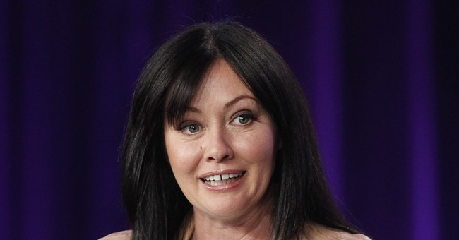 Shannen Doherty shaves head amid cancer battle