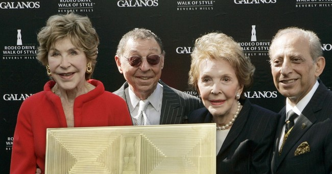Betsy Bloomingdale, Reagan friend and philanthropist, dies
