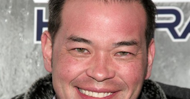 Gosselin makes 'appearance' at T.G.I. Friday's for charity