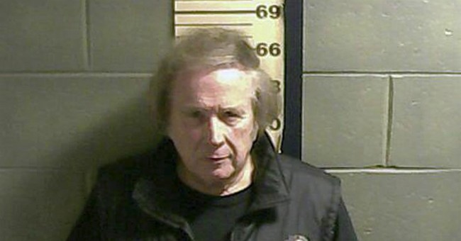 'American Pie' singer McLean takes plea in assault case