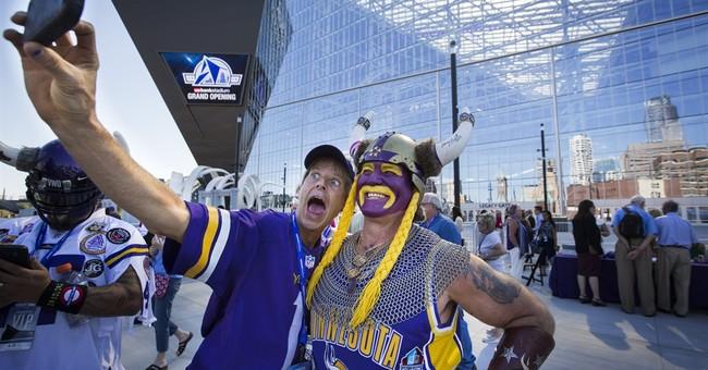 Vikings cut the ribbon at new $1.1 billion football stadium