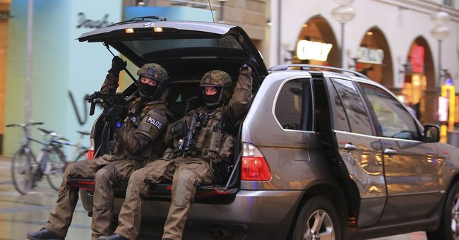 Timeline of Munich shooting at a shopping mall