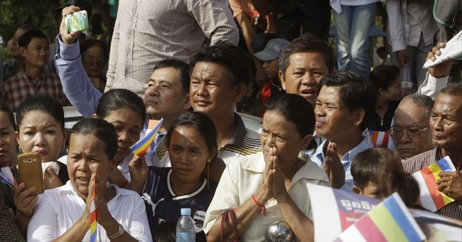 Thousands attend funeral for slain critic of Cambodia leader