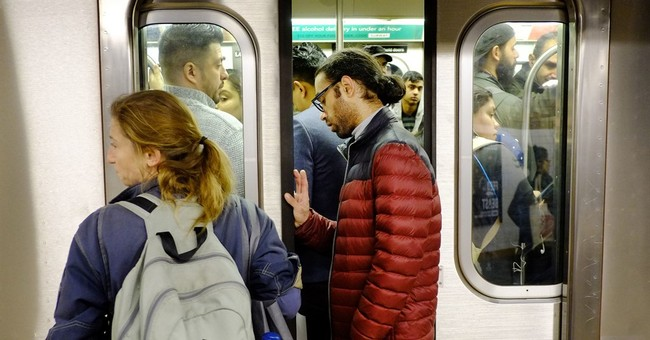 Busy NYC subway tunnel to close for 18 months for repairs