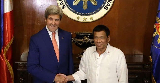 Kerry talks with new Philippine president critical of US