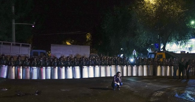 Gunmen in Armenia take paramedics hostage