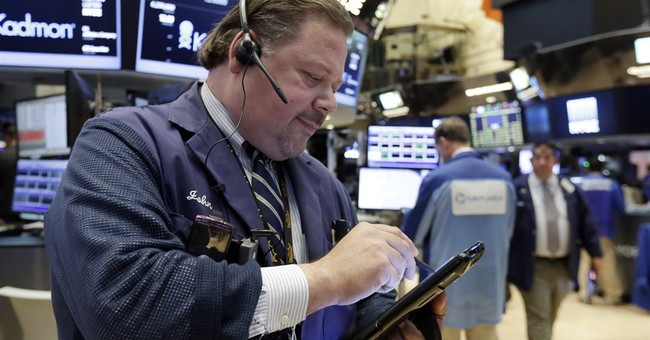 US stocks edge mostly lower despite a big gain for Apple