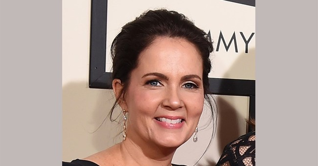 Family keeps hit songwriter Lori McKenna grounded, inspired
