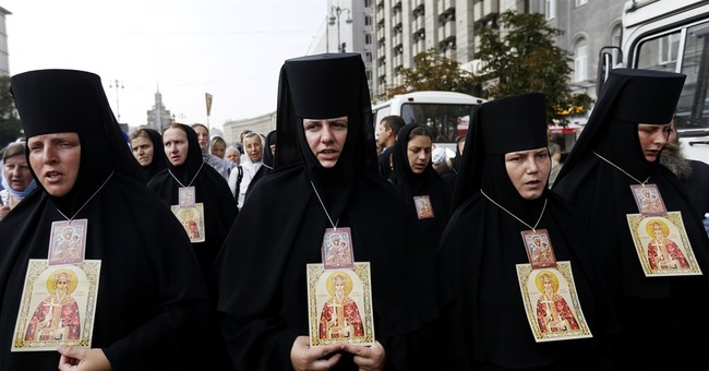 Thousands of Russian Orthodox gather in Kiev despite threats