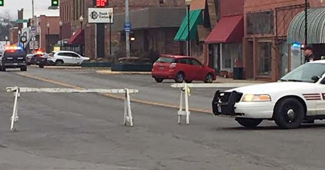 2 dead, 2 injured after eastern Oklahoma bank robbery