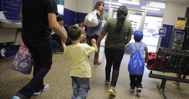 US program aims to get immigrants into court to track cases