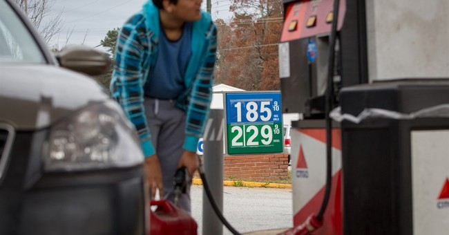 Falling oil prices could lead consumers to spend more later