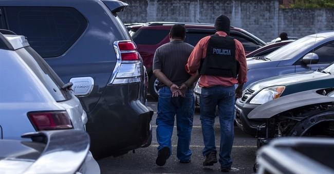 El Salvador strikes blow against powerful street gang