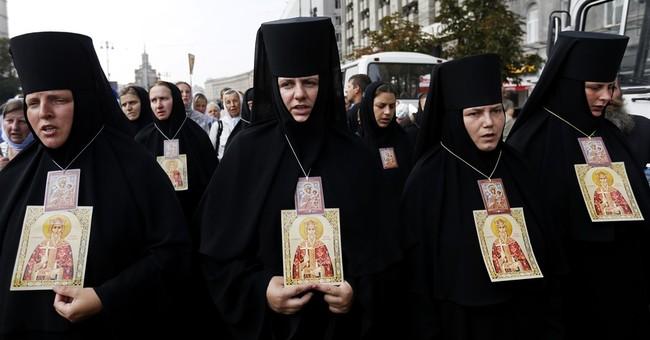 Ukraine's president calls for recognition of splinter church