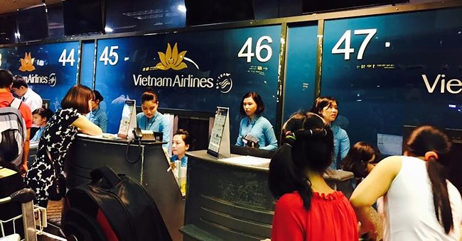 Flight info screens at Vietnam's 2 major airports hacked