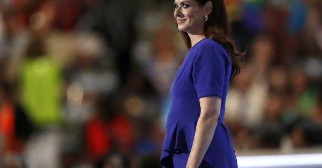 Debra Messing, Blake Shelton spar over presidential campaign