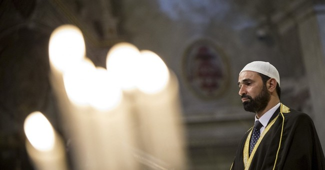 Muslims go to Catholic Mass in France, Italy for solidarity