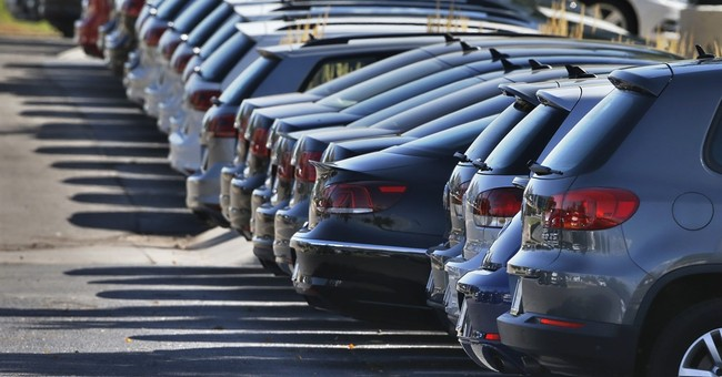 July US auto sales rose slightly on weaker demand