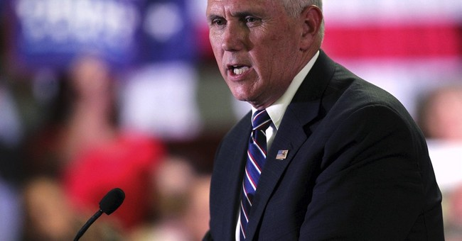 Pence tries to win over conservatives despite Trump gaffes