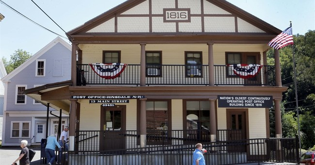 Small town New Hampshire post office celebrates 200 years