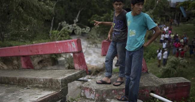 Earl makes landfall on Mexico's Gulf coast as tropical storm