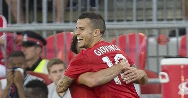 Giovinco has hat trick, Toronto FC beats Revolution 4-1