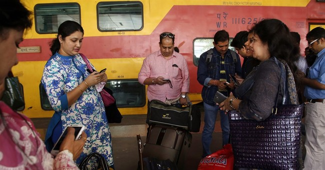 Mumbai travelers log on as Google starts train station Wi-Fi