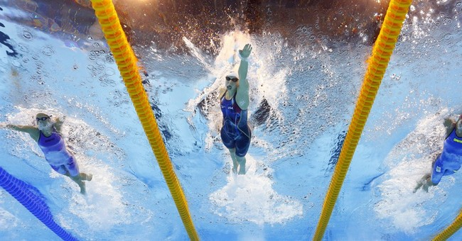 Ledecky just racing herself in 400 free at Rio Olympics
