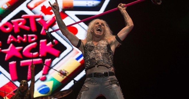 Rocker Dee Snider's granddaughter born on California freeway