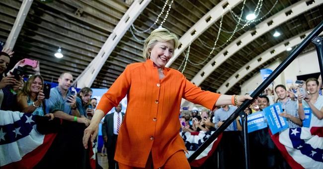 Clinton attacks Trump economic proposal