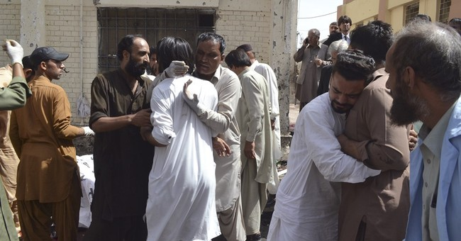 Suicide attack targets lawyers at Pakistan hospital, 70 dead