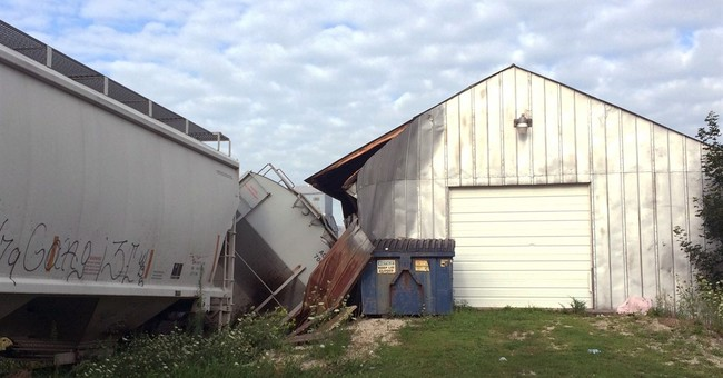 Police: Train car derails in Iowa, hits bar called DeRailed