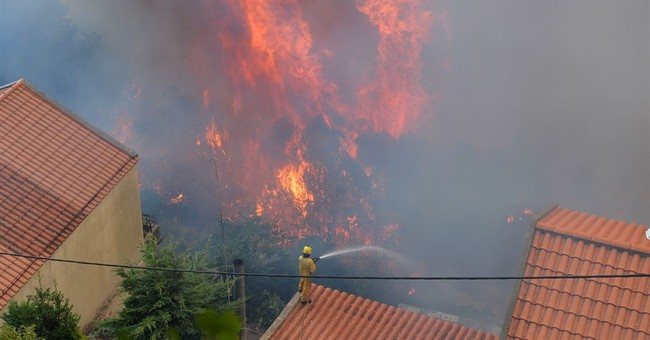 3 dead in Madeira Islands as wildfire spreads into capital
