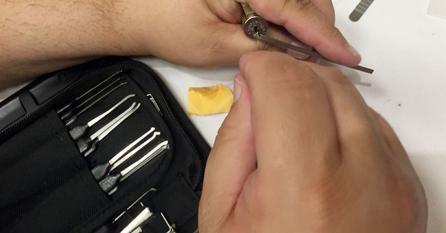 Lock picking your way to cybersecurity at Def Con