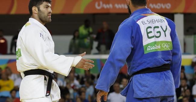 Egyptian judo athlete refuses to shake Israeli's hand