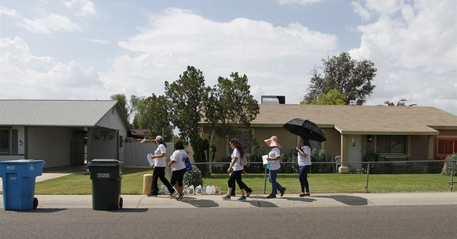 Phoenix neighborhood on edge as serial killer prowls