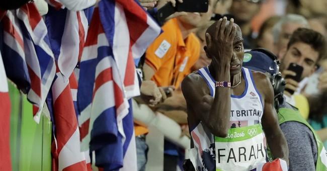 Not even a crash can stop Farah over 10,000 at Olympics